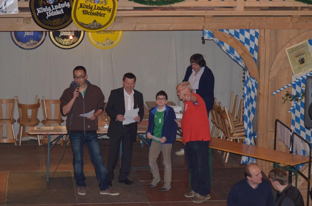 Benedikt Huber mit Turnierleitungsteam